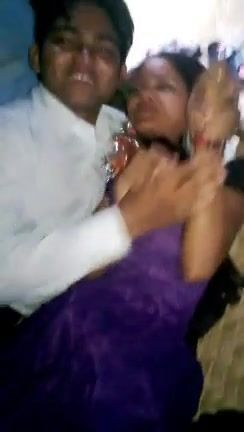 BANGLADESHI - Village Girl Kissed By Her BF