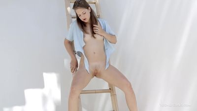 Tiny Titted Girl Lets It Flow After Fingering