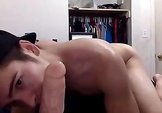Slutty Twink Plays with His Hole