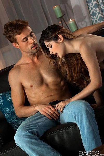 Natasha Malkova zeigt Big Titten Während sein ausgezogen für Sex :Von: BF