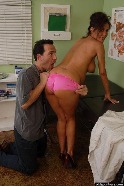 Pervy gyno plows mature pregnant Nancy\