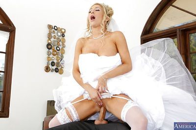 Blonde babe Tasha Reign is having an crazy fuck with her husband - part 2