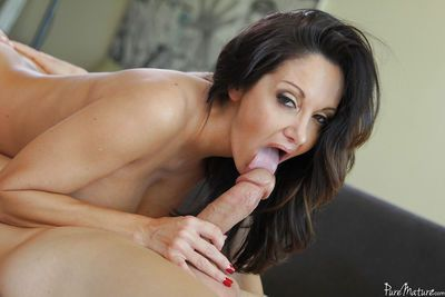 Mature Latina Ava Addams is sucking this horny prick and swallowing