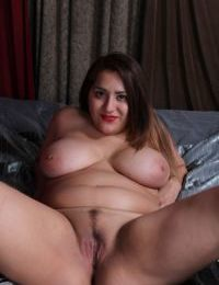 Chubby Italian MILF CeCe Giovanni toying trimmed vagina with large dildo