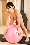 Sporty amateur Tianna Leigh uncovering her immensely tempting body
