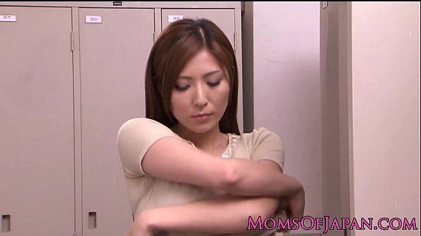 Yuna Shira japanese mom satisfies herself HD