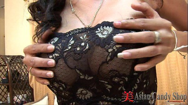 Thai Girl Minta Blowjob HD