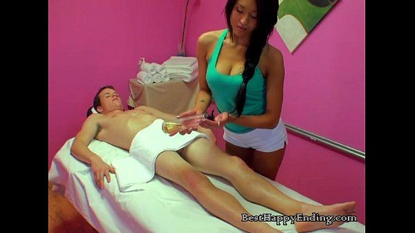 Masseuse Gives Hot Service To The Client Cock