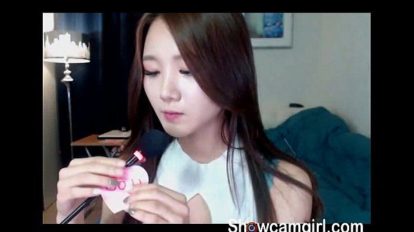 Hot babe Korean girl show perfect boobs online on showcamgirl.com