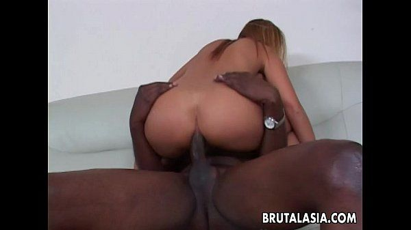 Alluring and curvy Asian slut has a bbc she sucks
