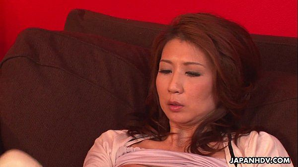 Asian milf has a sex toy session with her pussy HD