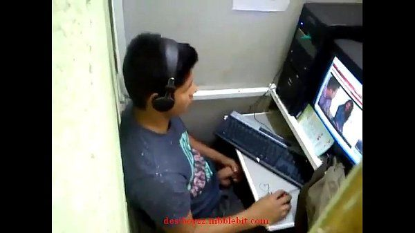 Indian Boy Caught Jerking In Cafe
