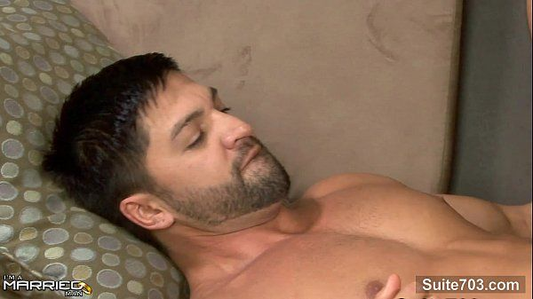 Hefty married guy gets fucked by a gayHD