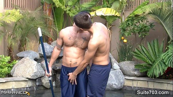 Married guy gets fucked and cummedHD