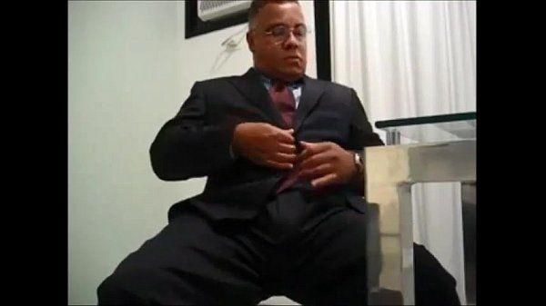 Pastor tarado toca punhamachosaonatural.com.br