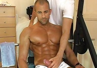 Bren let me give you a good massage to your huge chest and your huge cock !
