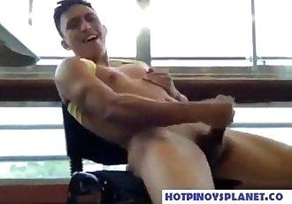 Pinoy Axel Jakol