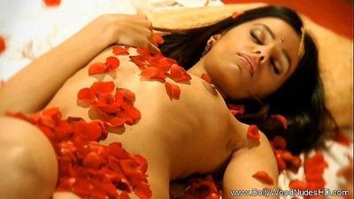 Desire Passion Bollywood Indian MILF - 11 min HD