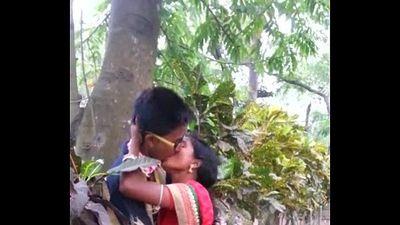 Desi marathi kiss - 12 sec
