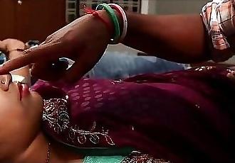 கொலுந்தன் தடி-Tamil Bhabhi fucked by Devar - 17 min