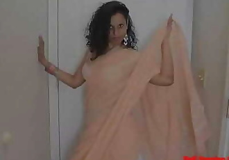 Indian Sexy Aunty Dance And Riding Big Dick 10 min 1080p