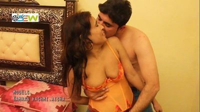 Sex Indian Girl Exposing Boobs - HotShortFilms.com - 4 min