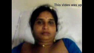 Andhra Aunty - 2 min