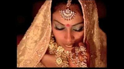 Bollywood - Indian girl for u - xHamster com - 1 min 18 sec