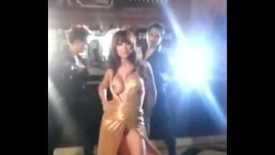 Anushka Sharma Boobs Shown During Shooting, Hot Cleavage Must Watch this Video - 1 min 14 sec