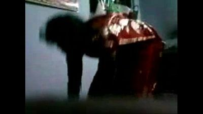 Aunty put her panty with saree - 18 sec