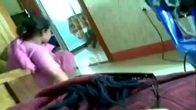 Desi India Casa Mucama - 2 min