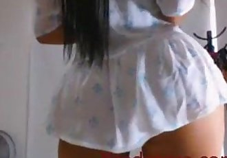 Very horny latina girl on webcam - 6 min
