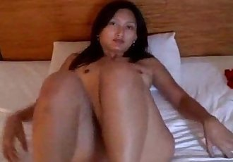 Asian amateur takes a hard cock - 8 min