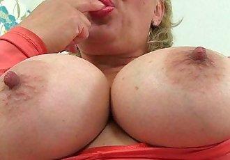 British milf Danielle is dildoing her creamy pussyHD