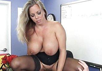Extra Credit With Big Tits Busty Teacher Amber Lynn BachHD