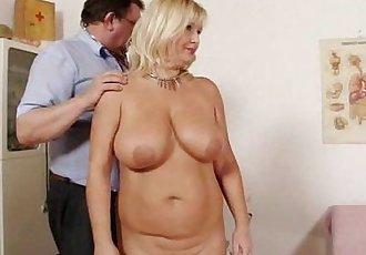 Natural big tits Milf vagina gyno clinic exam - 5 min