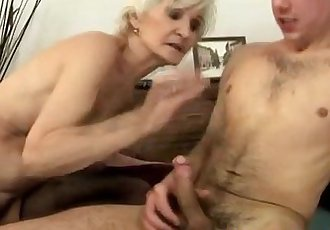 Amateur mature granny gets ravaged - 6 min