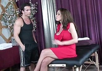 Soccer milf Hunter Bryce gets fucked on massage tableHD