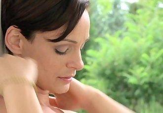 MOM MILFs with natural breastsHD
