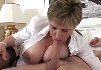 Mature brit Lady Sonia gets fucked - 5 min