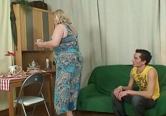 Huge granny is banged by her son on law - 6 min