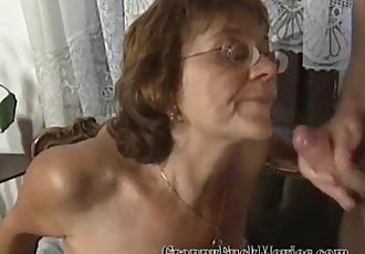 Granny Sue showing her daughter - 5 min