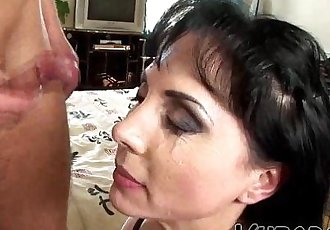 I FUCKED THE MILF ON BED !!HD