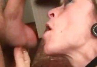Mature mom loves blow job ....