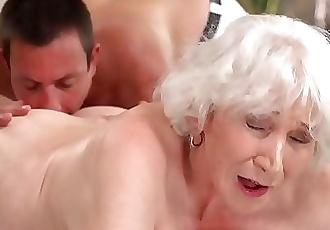 mamá viejo video de sexo